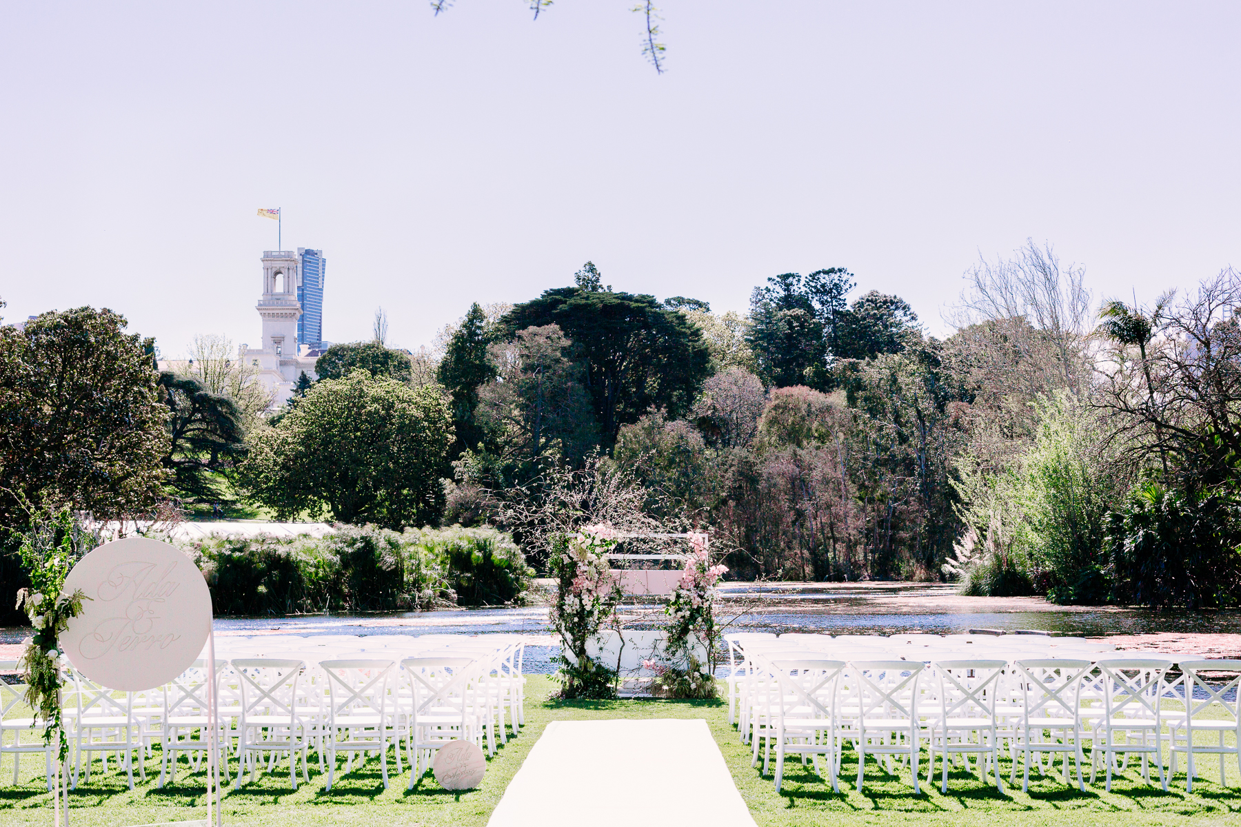 Royal Botanic Gardens Ceremony - Photo credit:  The Robertsons Photography, Styling by Georgeous Occasions