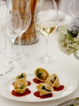 goats cheese tortellini, braised baby fennel, tomato & tarragon, truffled pecorino
